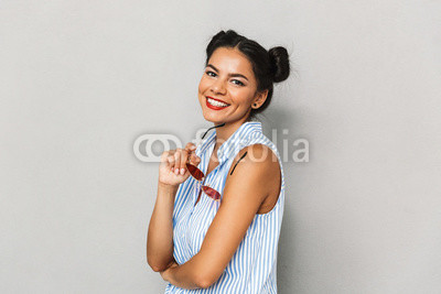 Fotoboard na płycie - Portrait of a smiling young woman isolated